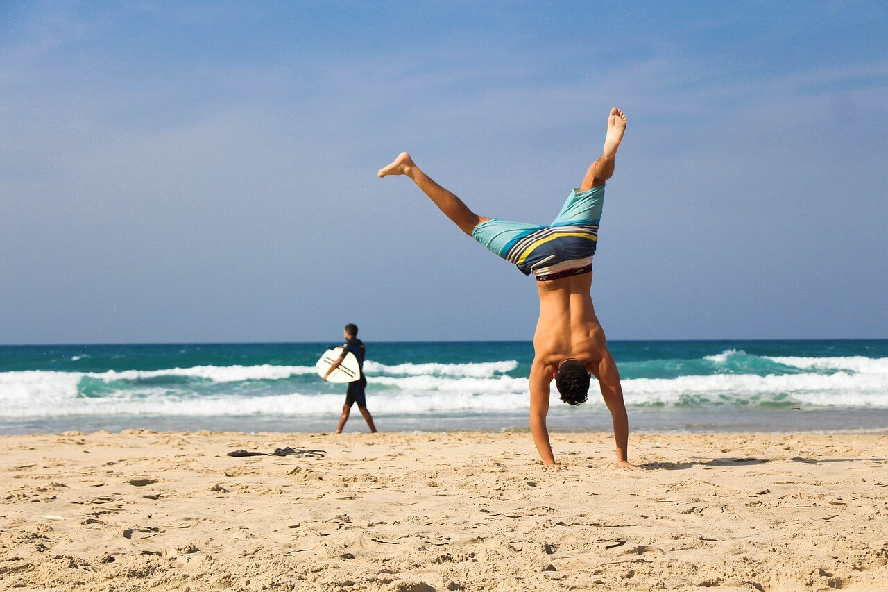 16 Tips To Stay Healthy While Traveling - Scott Livengood
